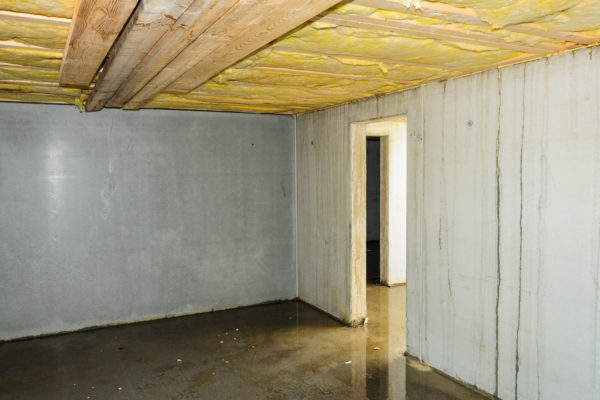 Faulty builded and damp basement in a new building.